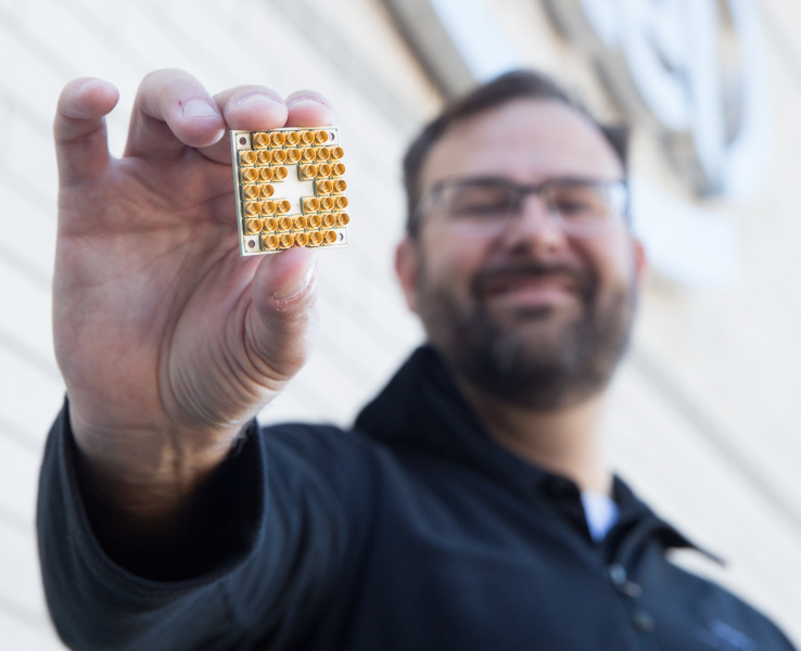 intel-quantum-chip.jpg